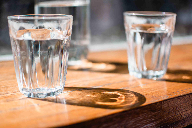 uống nhiều nước buổi sáng tốt cho sức khỏe