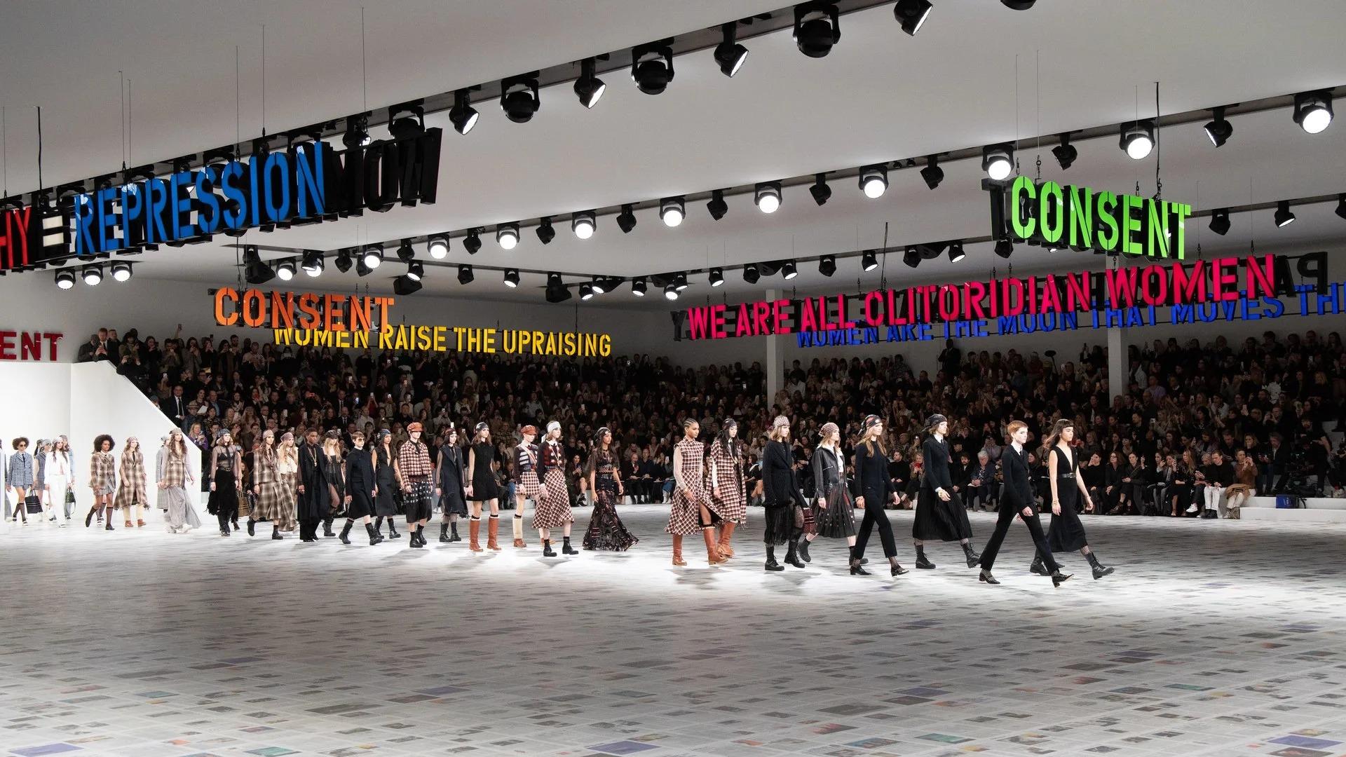 Không gian sàn diễn Thu - Đông 2020 của Christian Dior