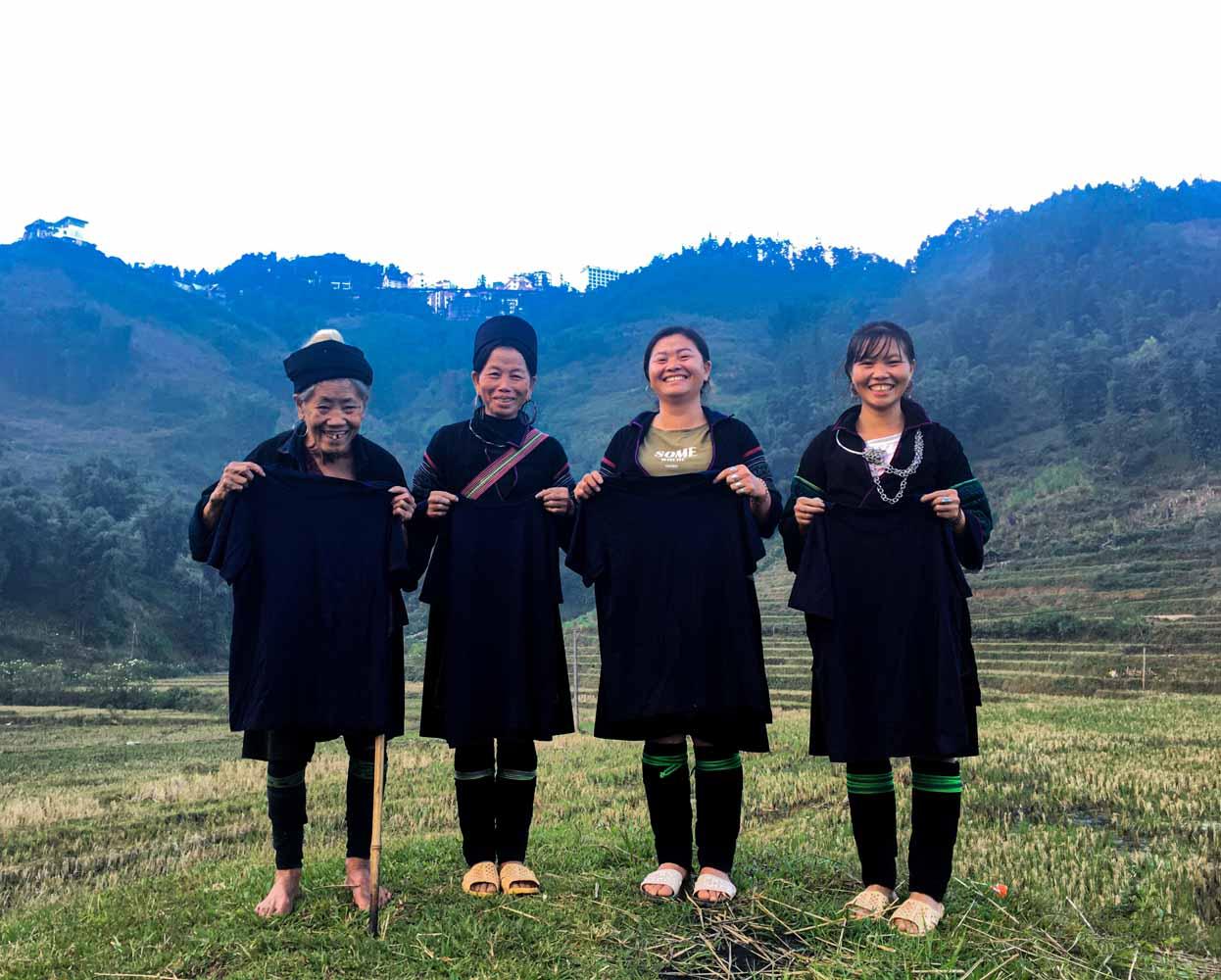 làng nghề nhuộm chàm truyền thống của người H'Mông ở sapa