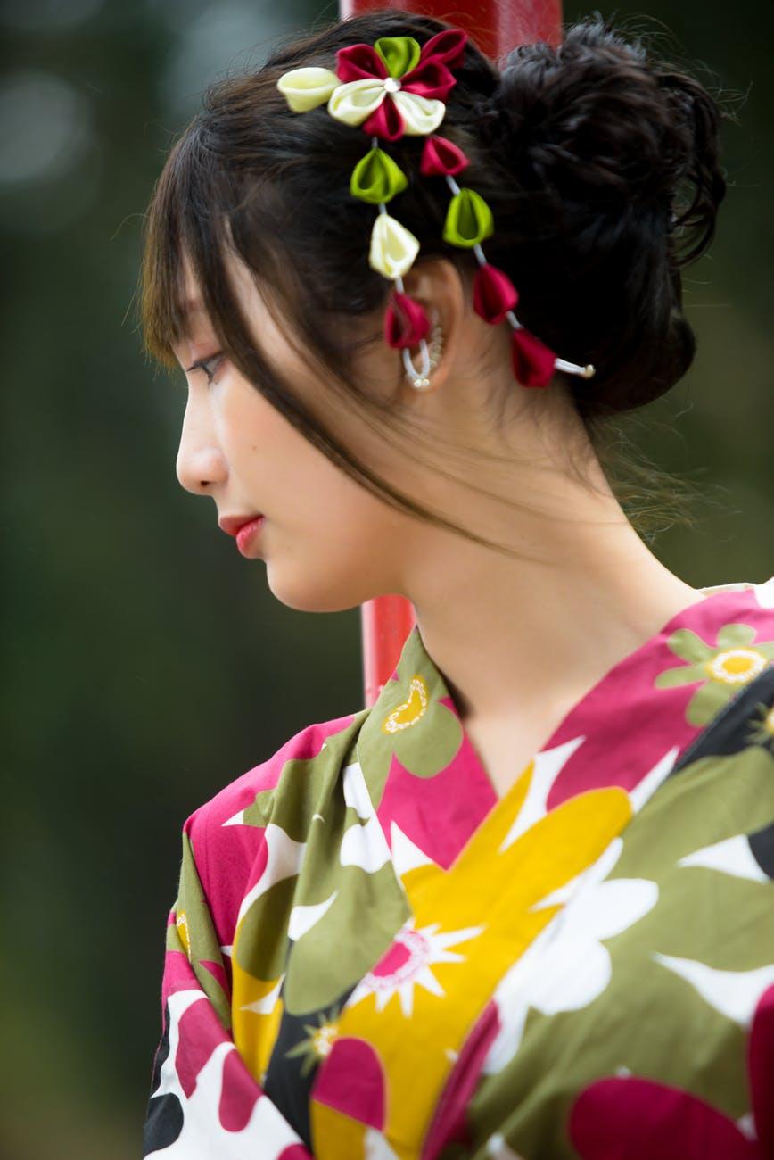 Chế độ ăn kiêng giảm cân-Cô gái mặc yukata.