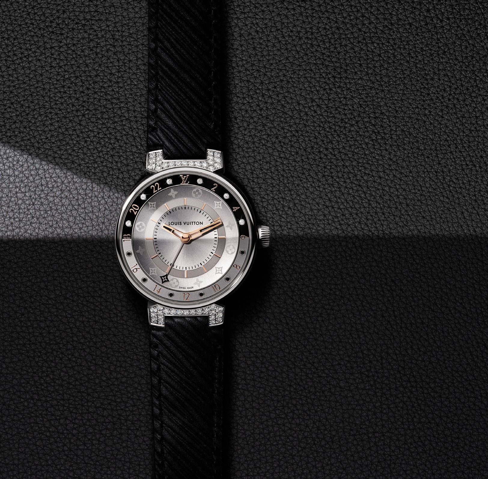 đồng hồ Louis Vuitton Tambour Moon Dual Time Black and White Paved