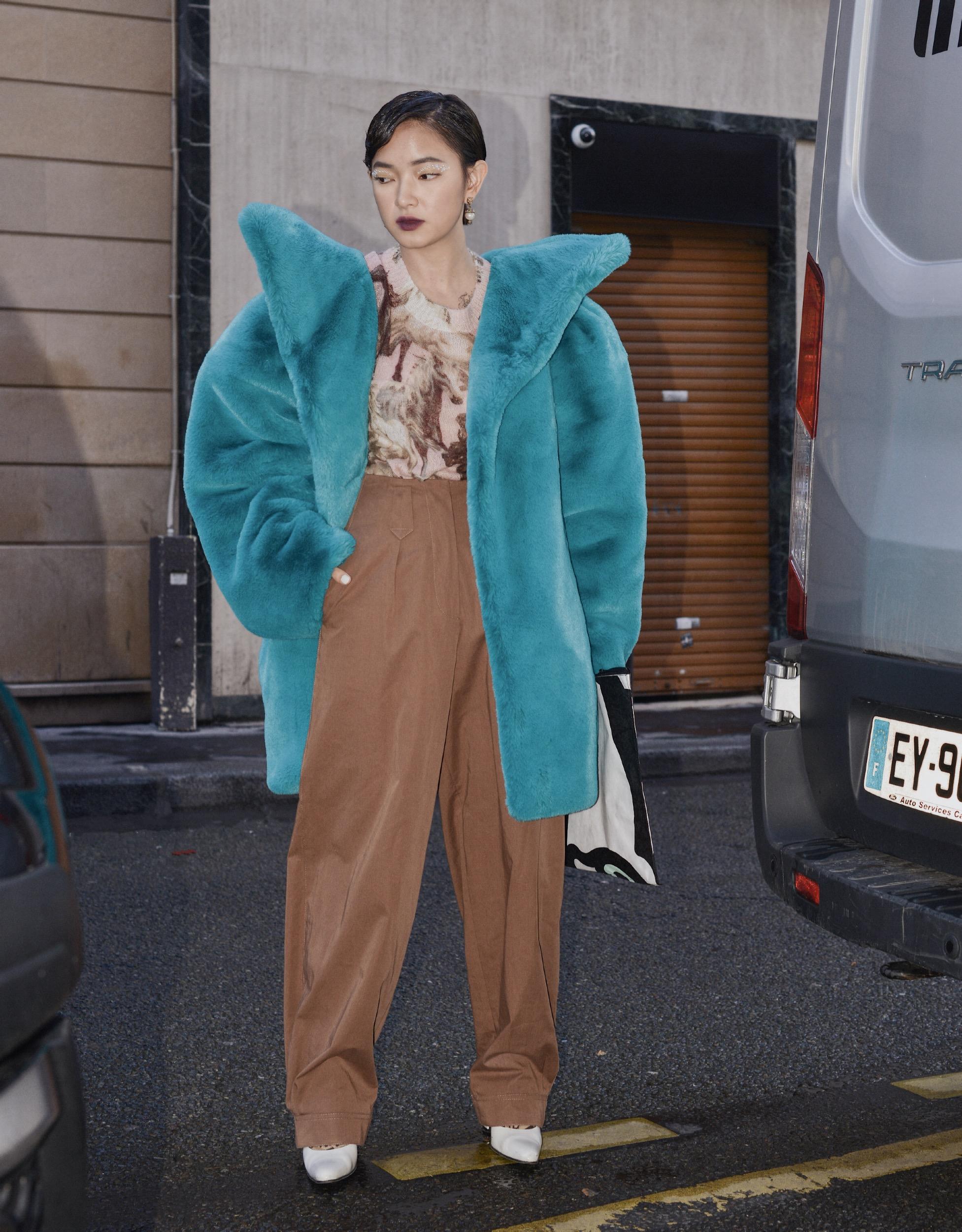 Châu Bùi tham dự show diễn Kenzo với thời trang ấn tượng
