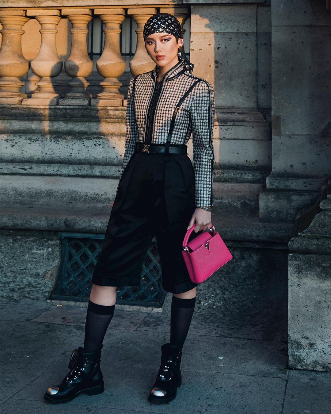 Vẻ ngoài ấn tượng của fashionista Khánh Linh tại show diễn Thu - Đông 2020 của Louis Vuitton