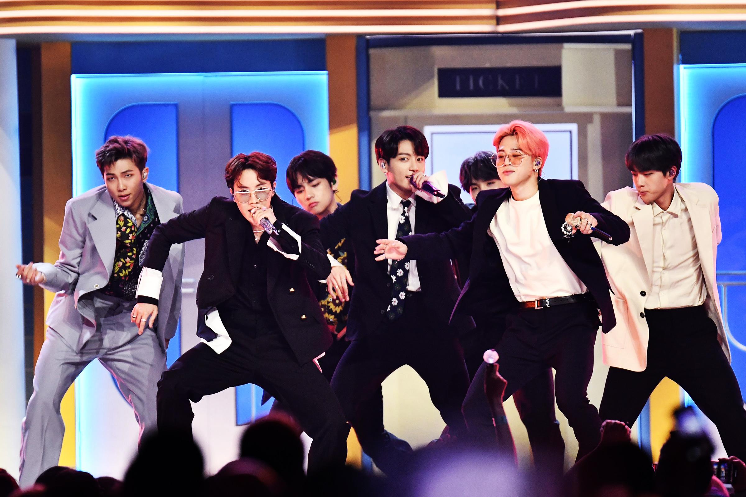 BTS biểu diễn tại Grammy 2020