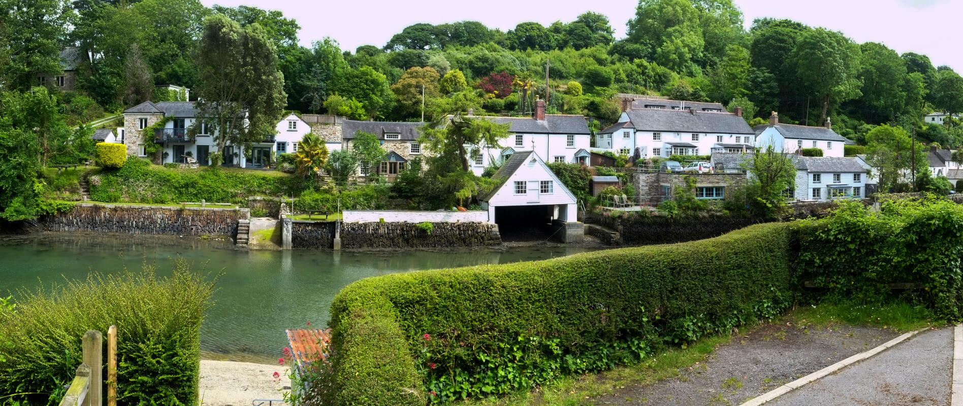 làng Helford