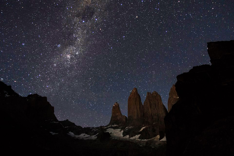 ngắm trời đêm Công viên Quốc gia Torres del Paine, Chile