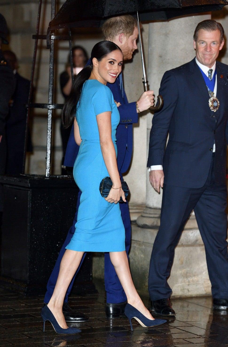Công nương Meghan Markle trong thiết kế của Victoria Beckham trong chuỗi sự kiện hoàng gia cuối cùng