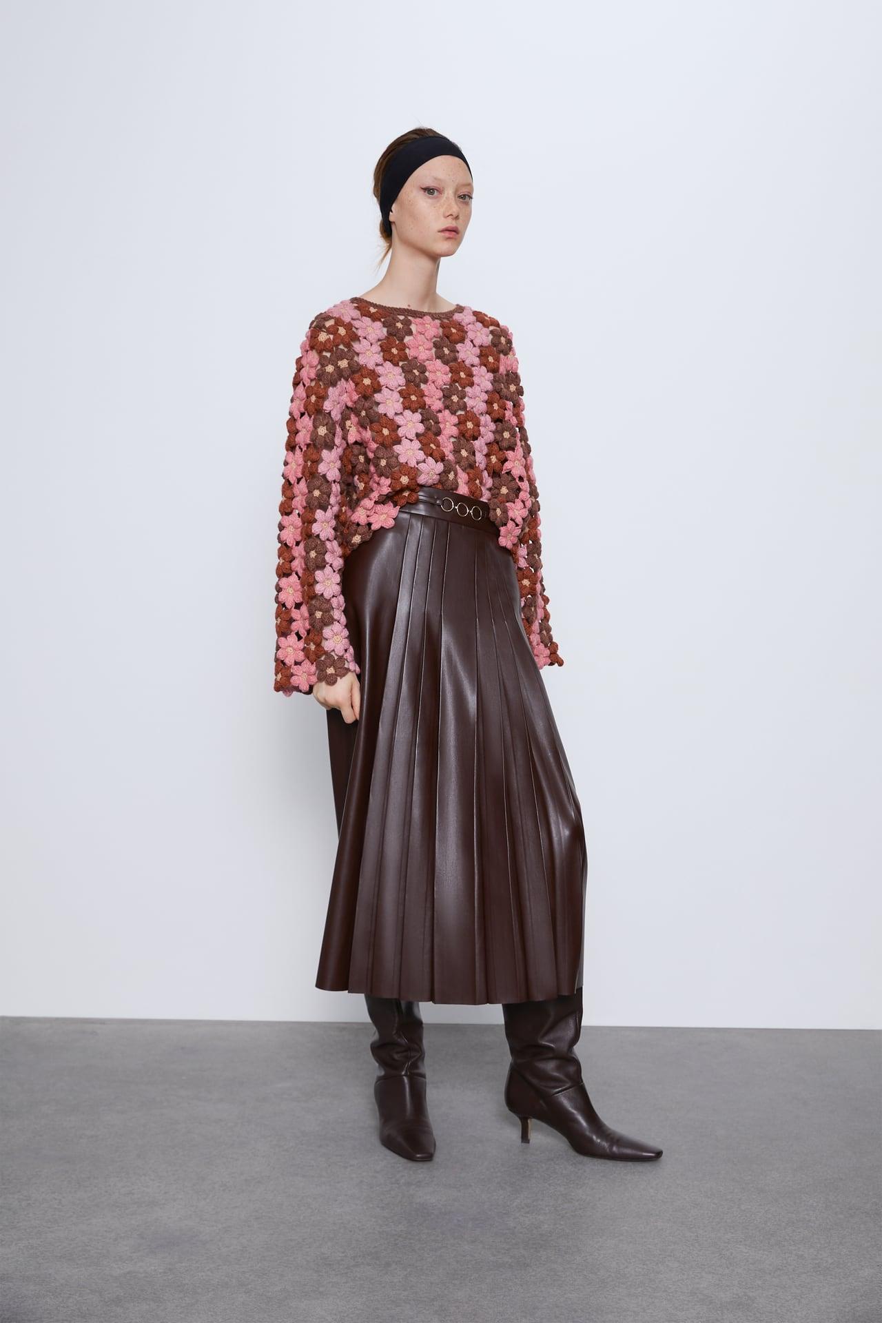 Áo len móc đủ màu hình hoa của ZARA