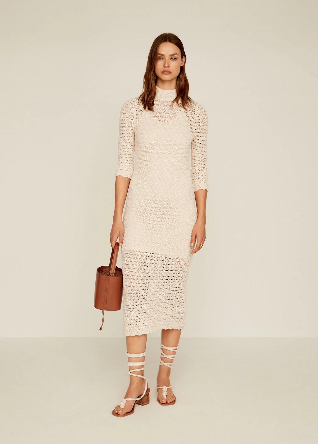 Đầm đan móc màu trắng sữa từ Mango