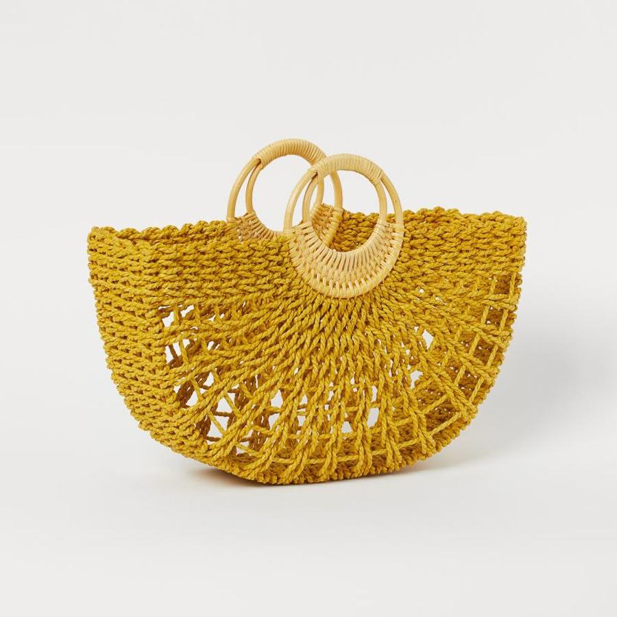 Túi cói đan móc màu vàng của H&M