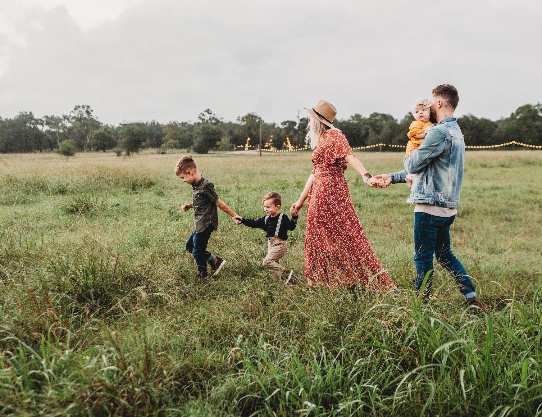 trắc nghiệm tính cách gia đình đi bên nhau