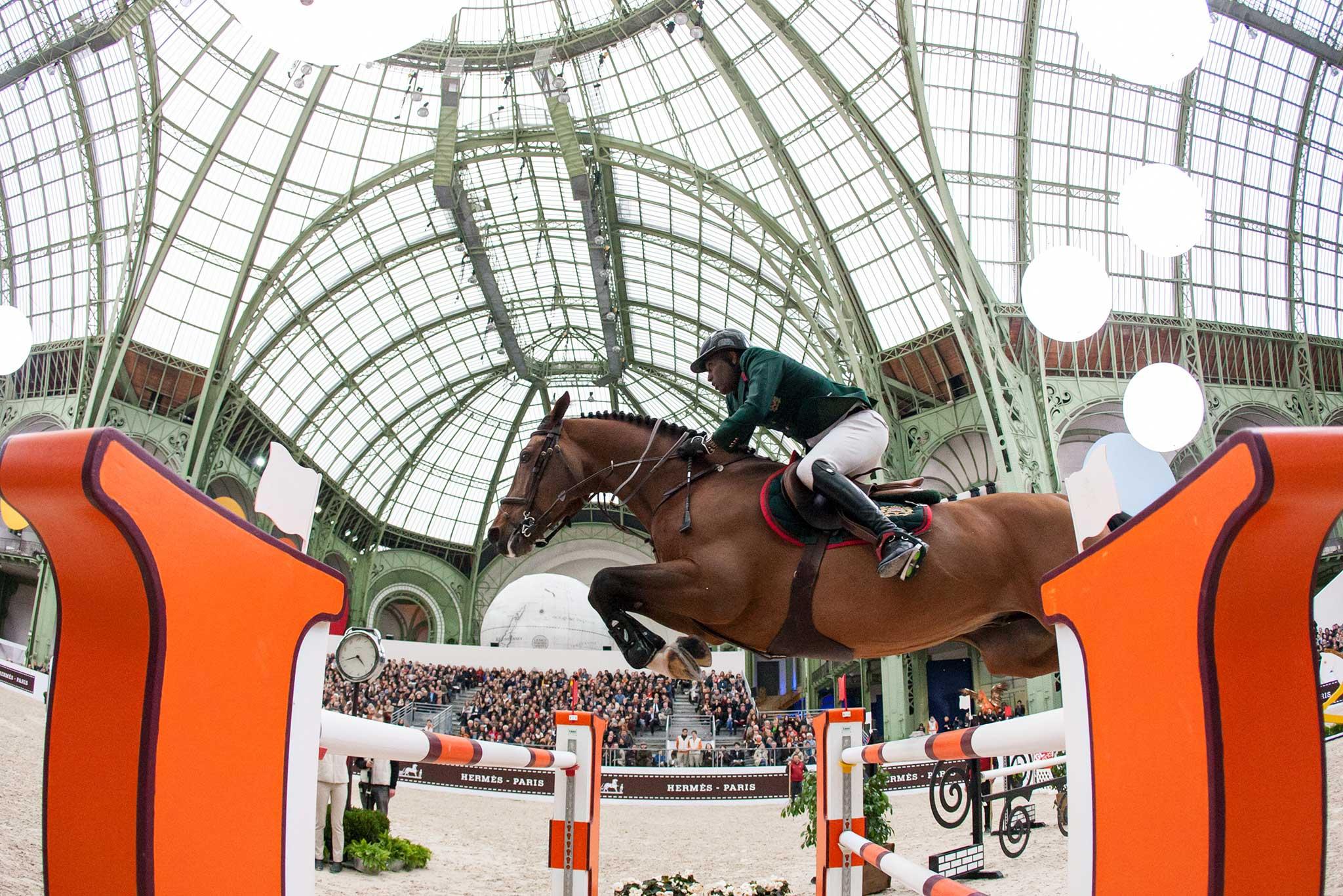 Tin thời trang về việc Hermes hủy bỏ cuộc thi đua ngựa Saut Hermes do virus Corona