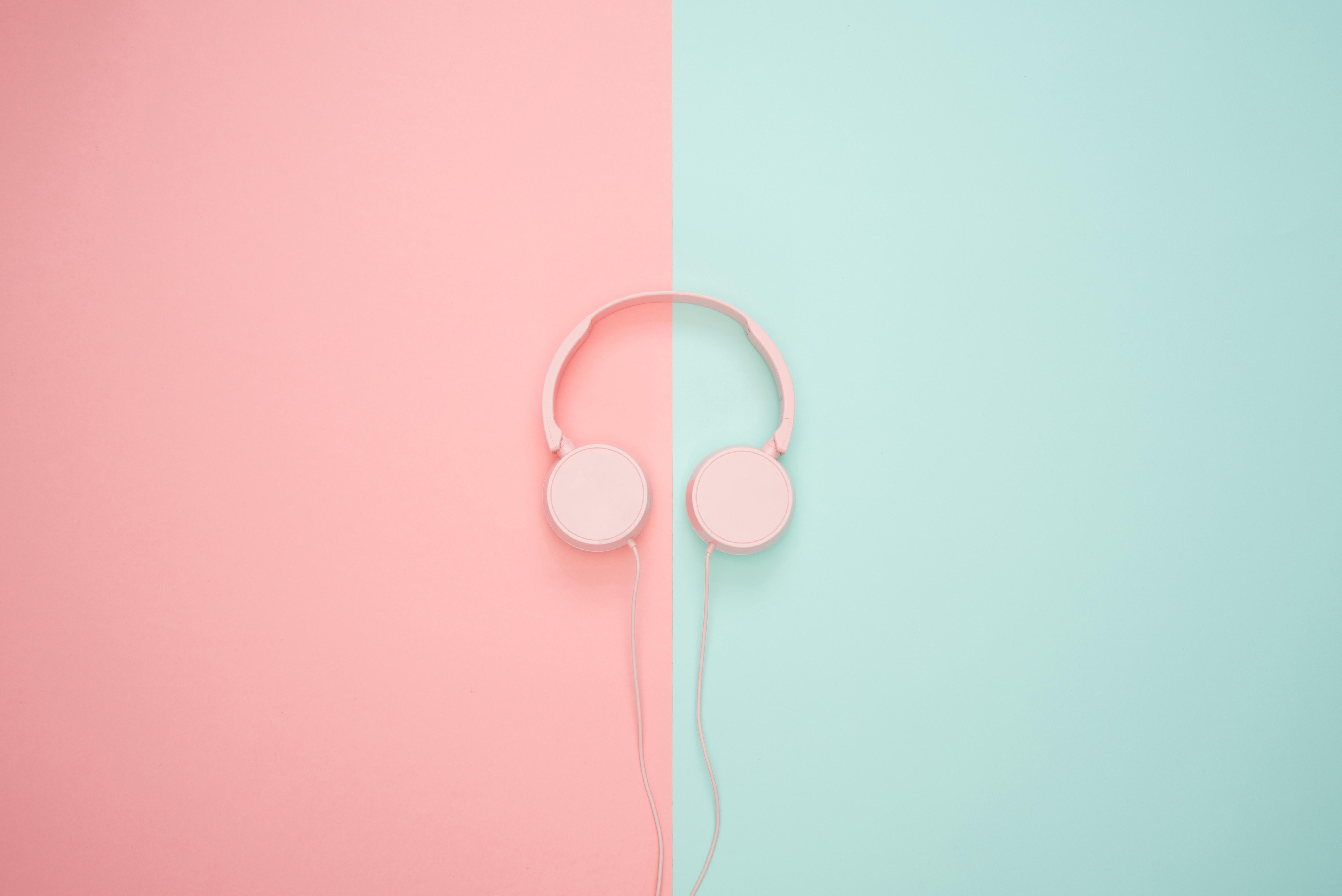 hình ảnh chiếc tai nghe màu hồng