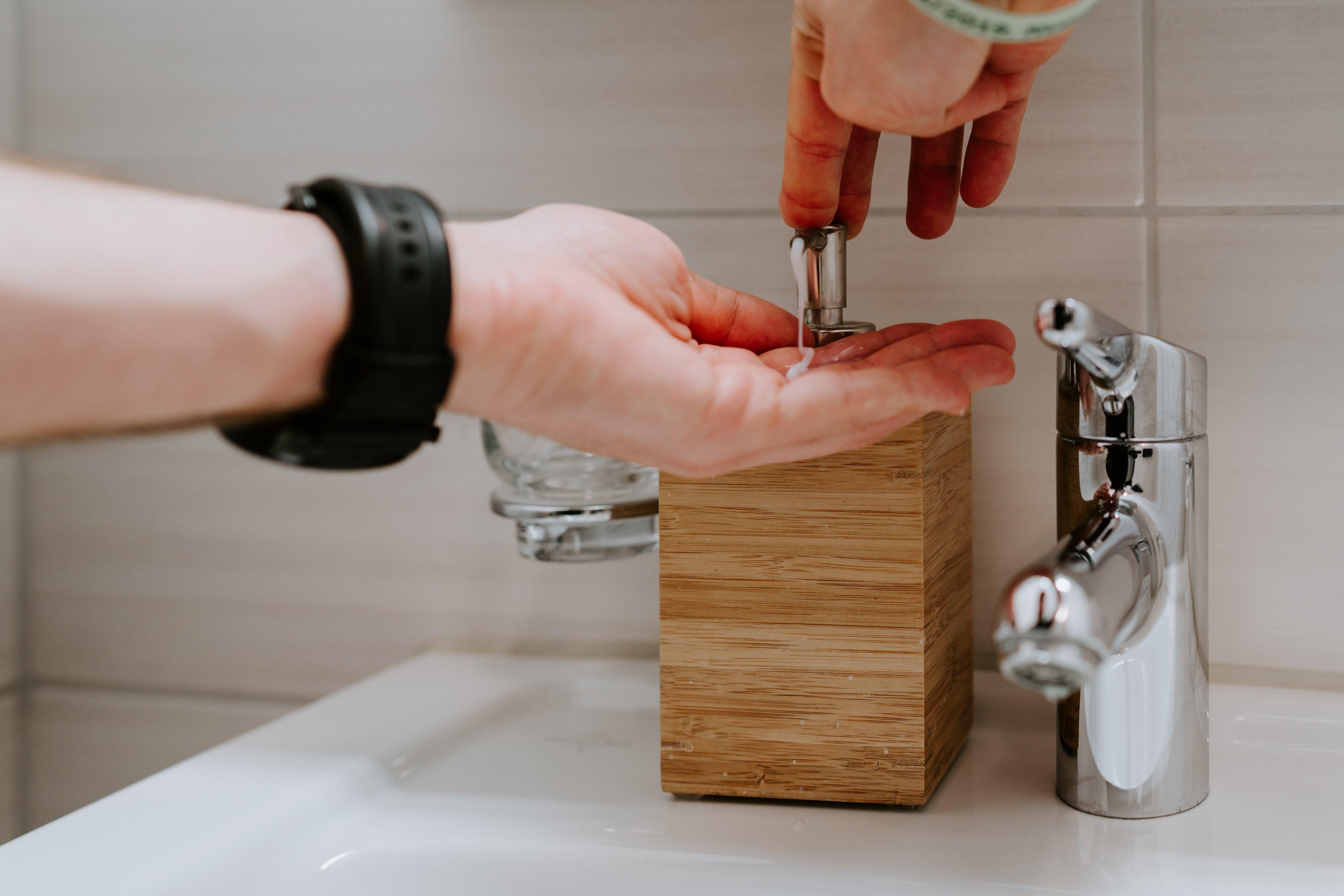 rửa tay trong dịch covid-19