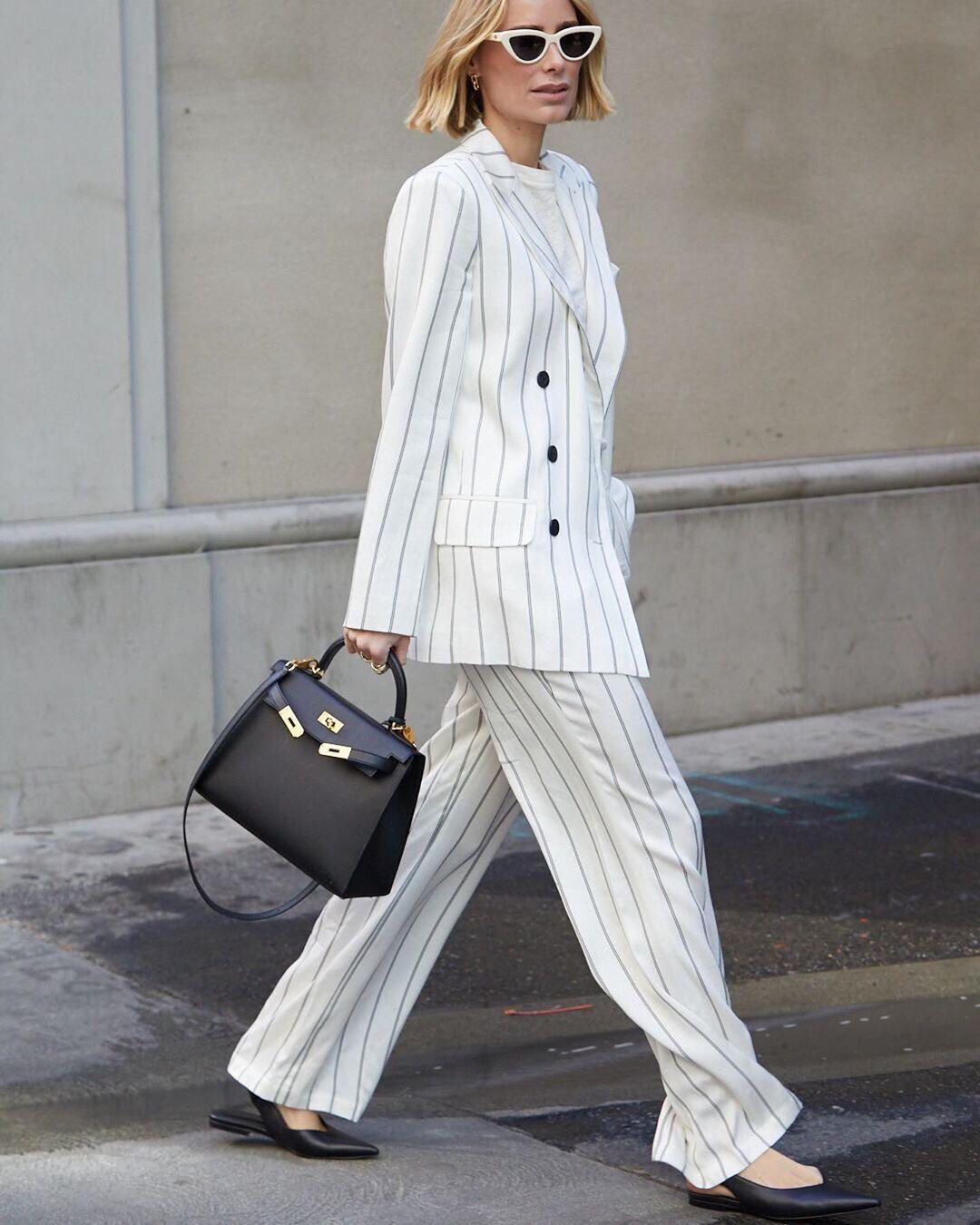 cách phối đồ tăng chiều cao bộ suit kẻ sọc giày bệt