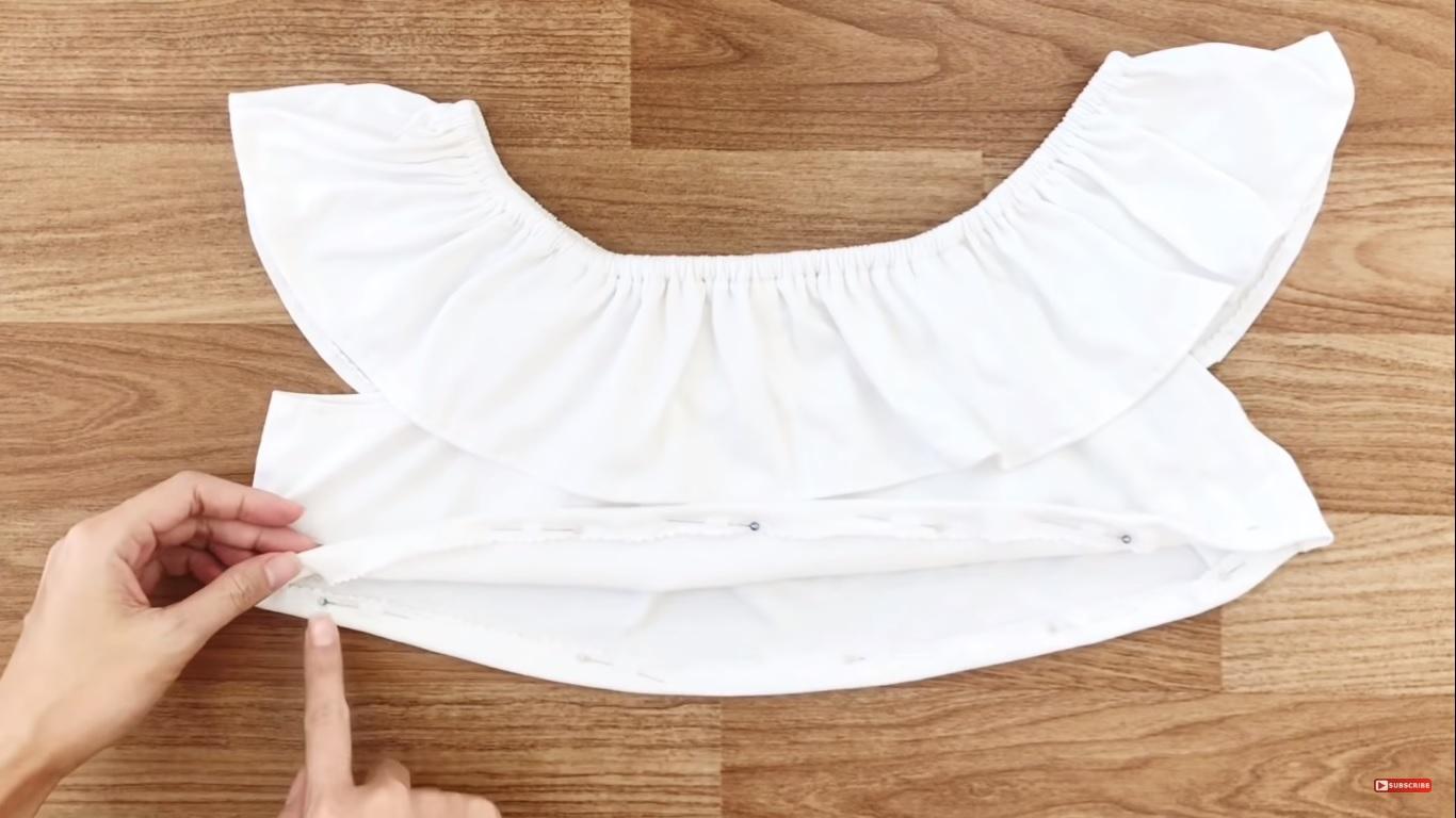croptop trẽ vai từ quần áo cũ may dây chun