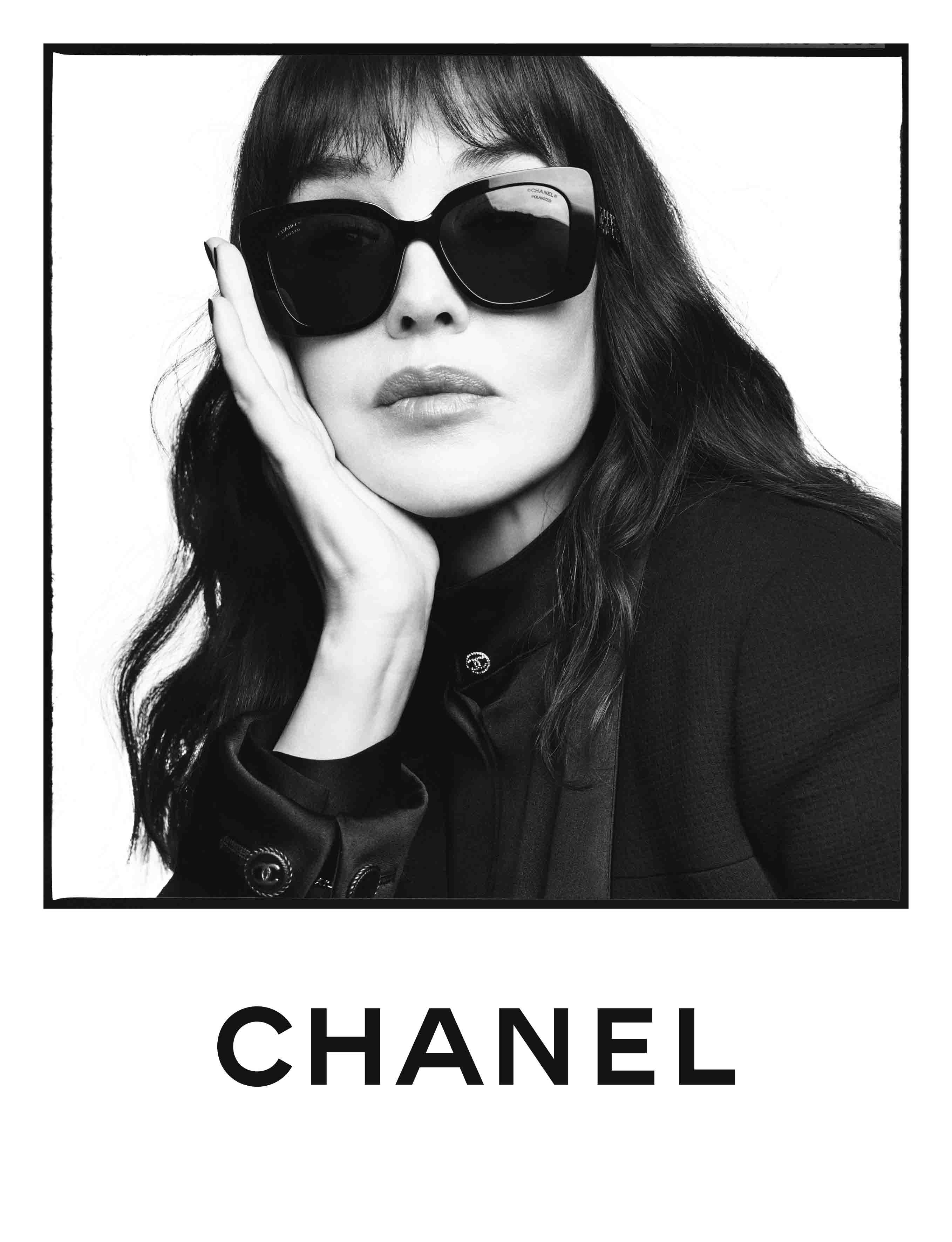 Isabelle Adjani đeo kính mát Chanel