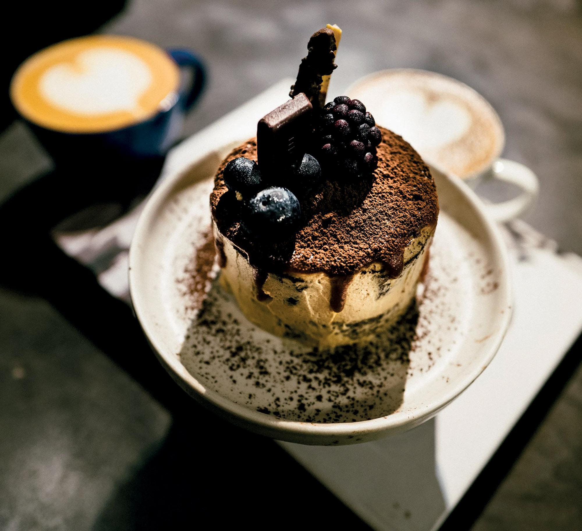 địa điểm cafe the hummingbird bánh tráng miệng