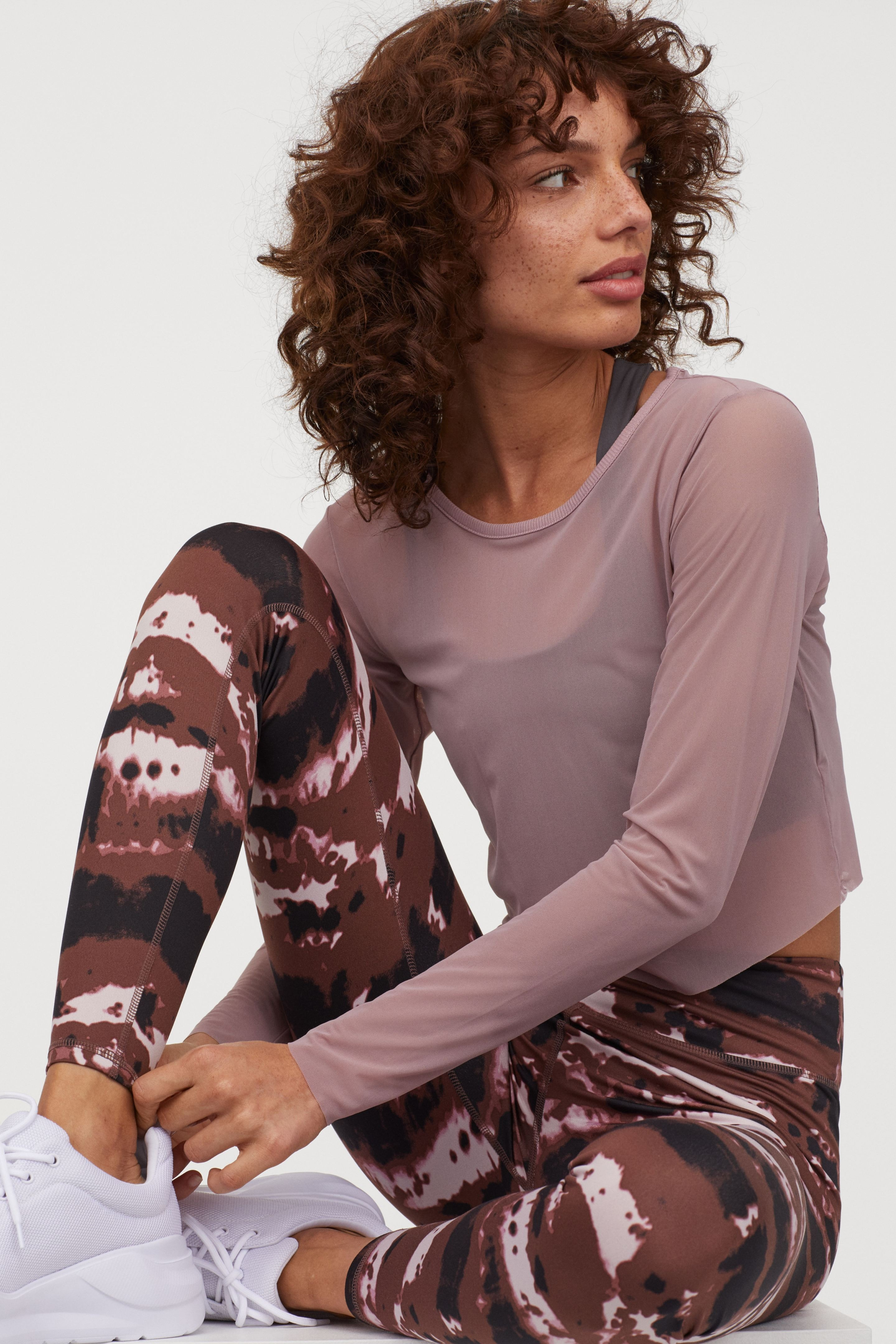 Quần leggings thể thao in họa tiết tie-dye H&M phù hợp cho tập Yoga