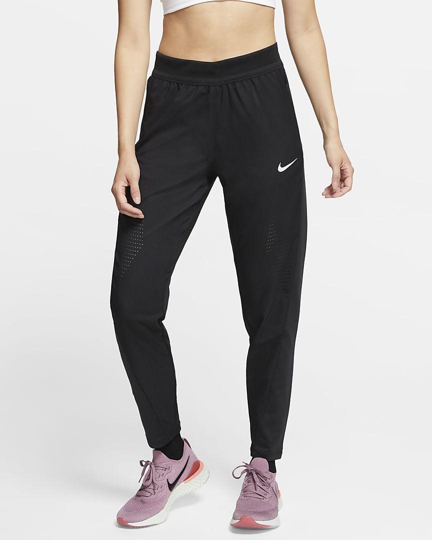 Quần thể thao Nike màu đen dành cho tập Yoga