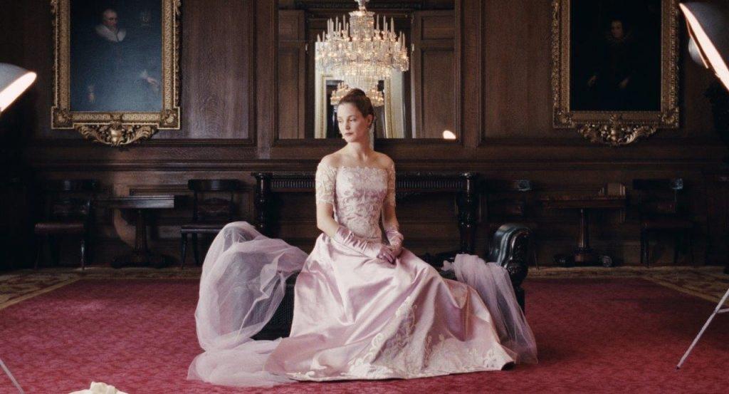 thời trang phim âu mỹ phantom thread bộ váy quây tím