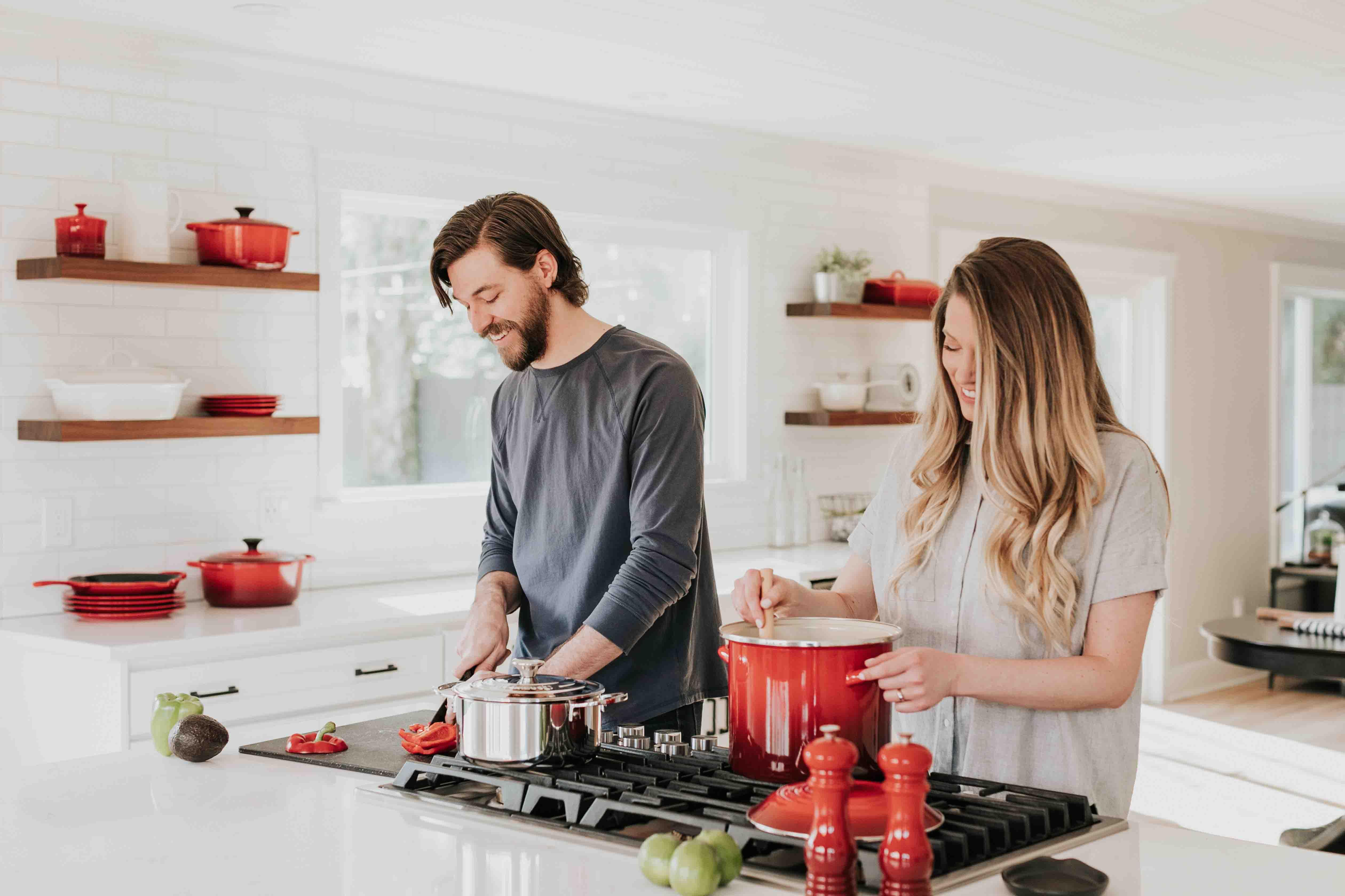 học cách yêu bằng việc nấu ăn cùng nhau