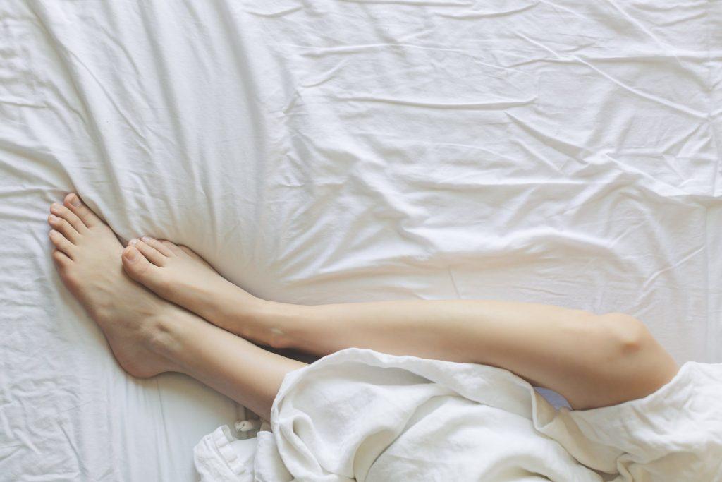 Mẹo wax lông an toàn và hiệu quả, dễ thực hiện tại nhà.