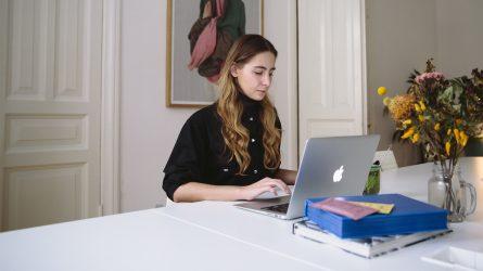 Bí quyết quản lý thời gian hiệu quả khi làm việc tại nhà trong mùa dịch