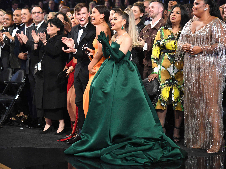 Ariana Grande mặc đầm Givenchy tại lễ trao giải Grammy 2020