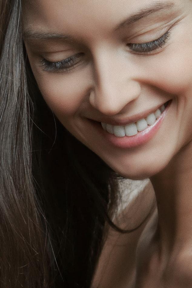 cách trị khô môi để cười thật tươi