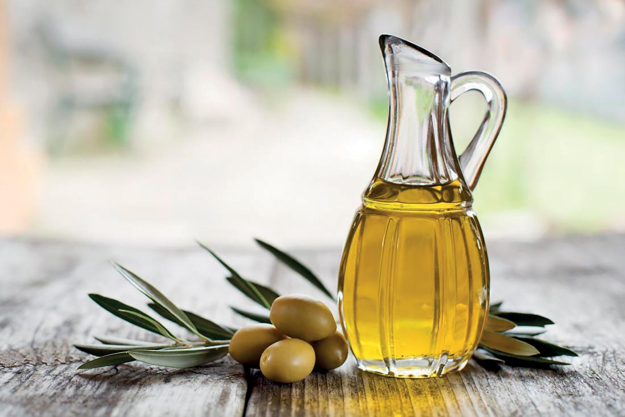 công thức làm đẹp dưỡng môi bằng dầu olive