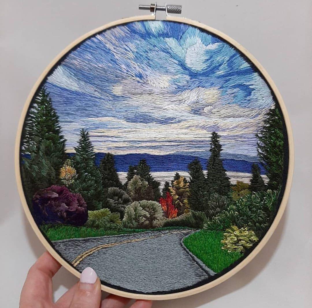 tranh thêu tay phong cảnh trời mây