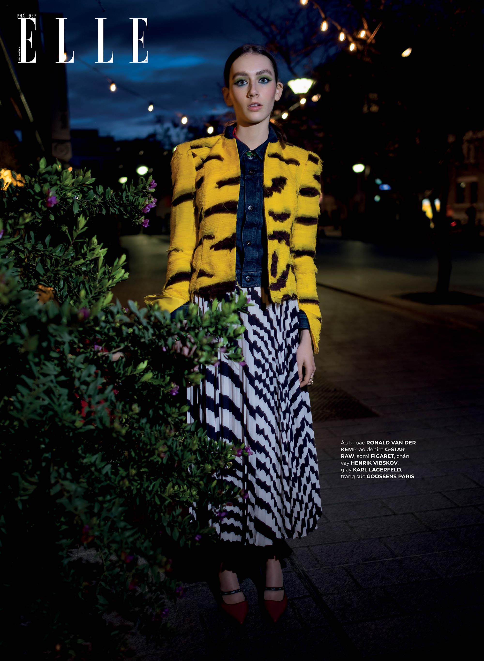 thời trang bền vững Karl Lagerfeld áo khoác và chân váy họa tiết