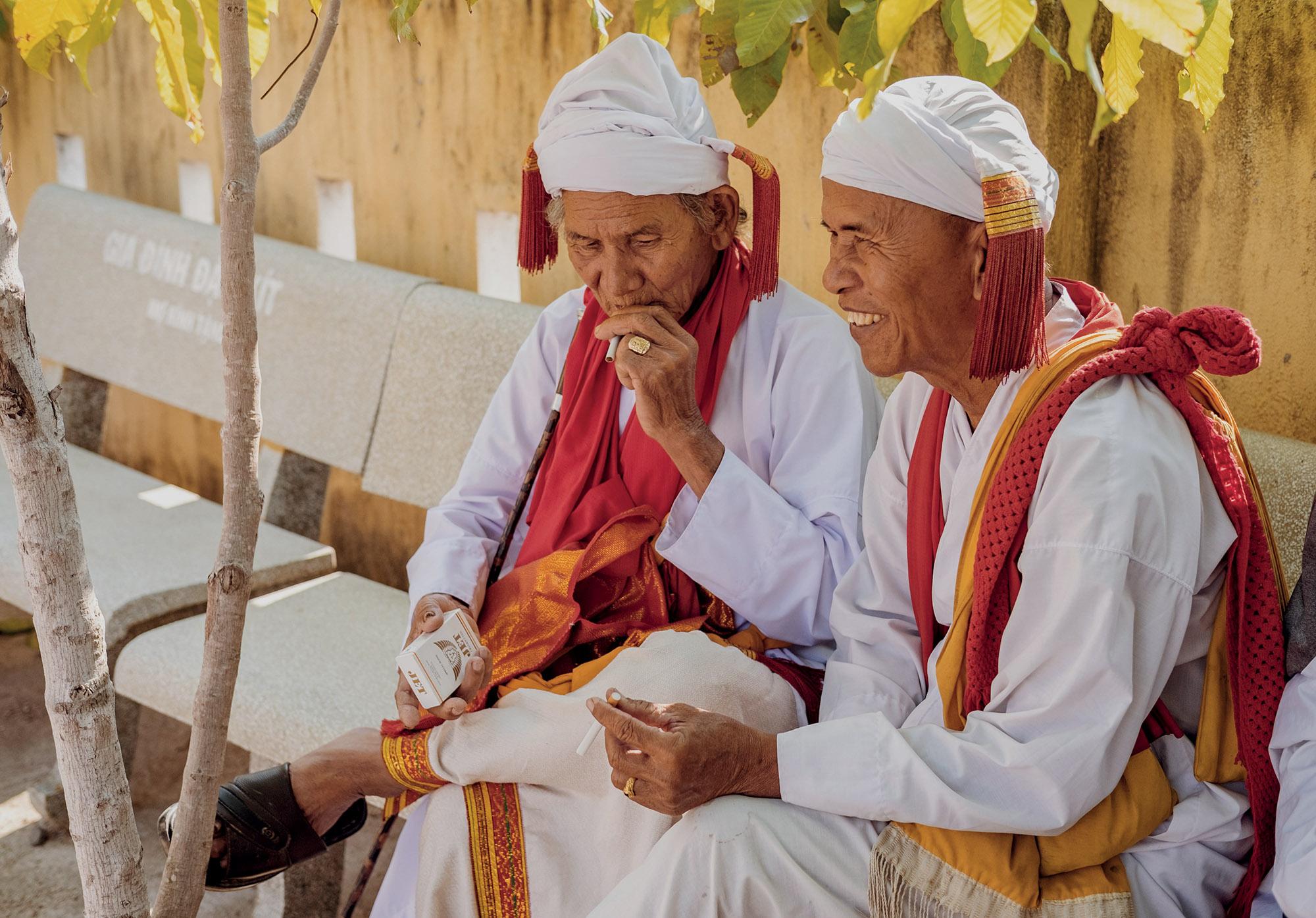 Ninh Thuận người đàn ông Chăm trong trang phục truyền thống