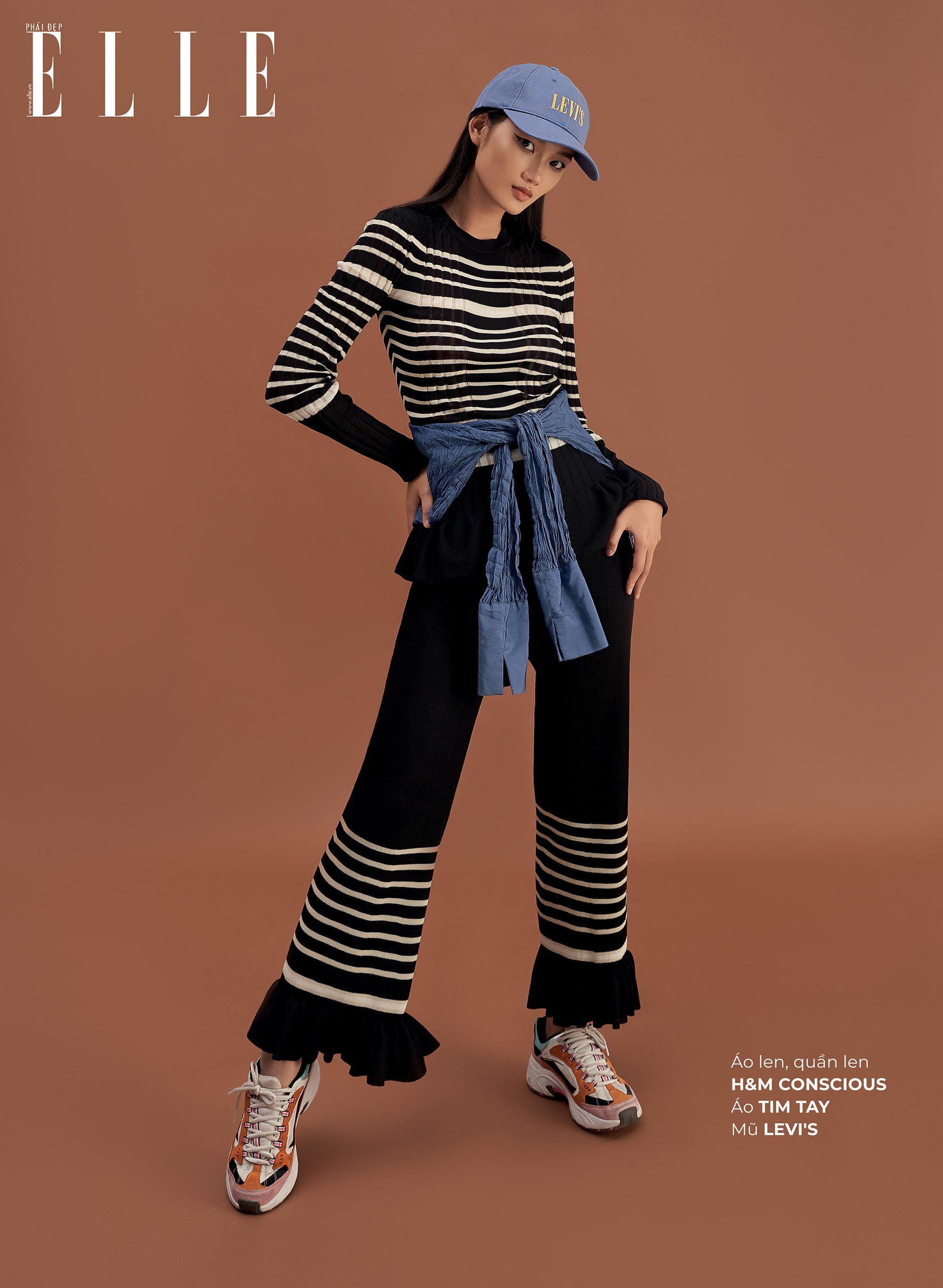 mặc đẹp theo phong cách đồng quê quần ống loe và áo sơ mi denim