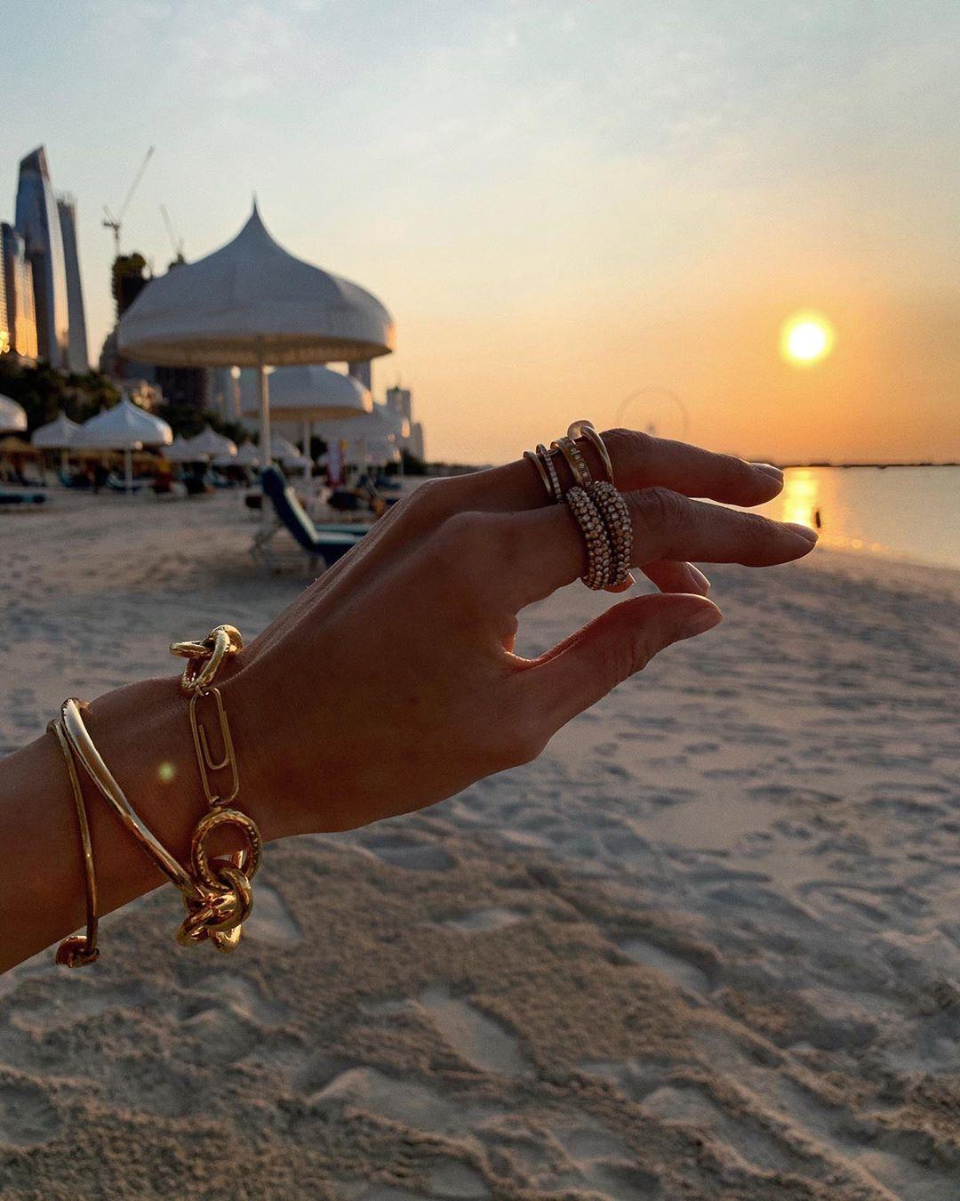 Vòng đeo tay dây xích vàng kết hợp cùng nhẫn