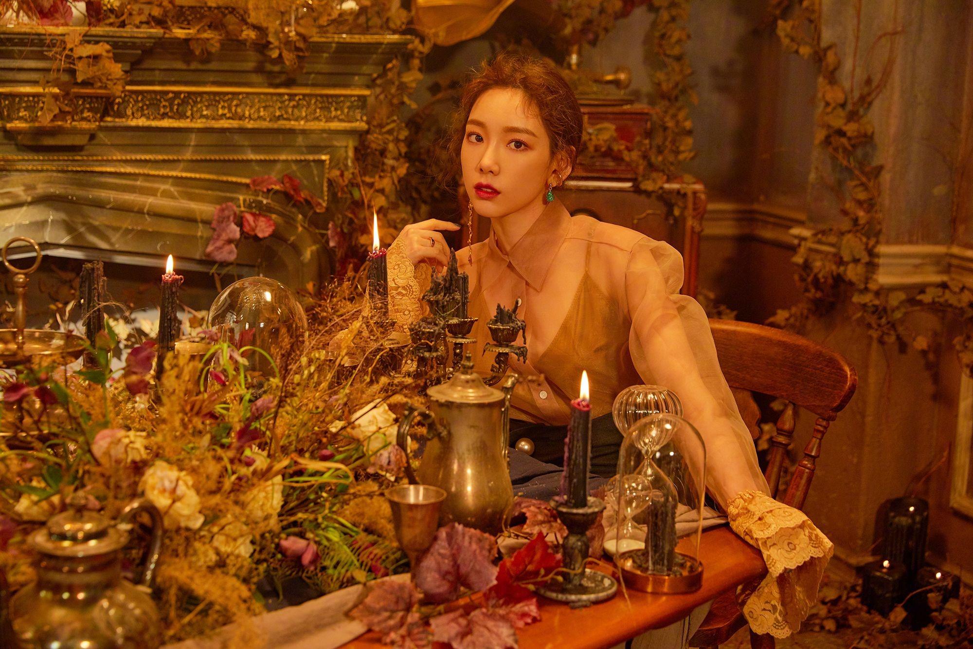 Taeyeon mặc áo voan rộng trong MV Four Seasons