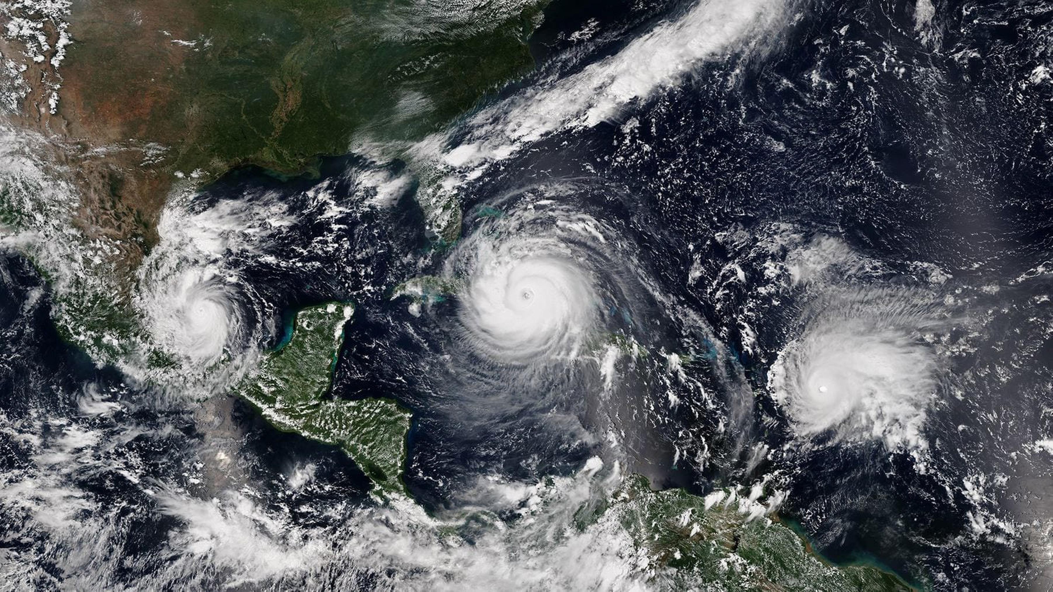 biến đổi khí hậu ngoài không gian bão hình thành