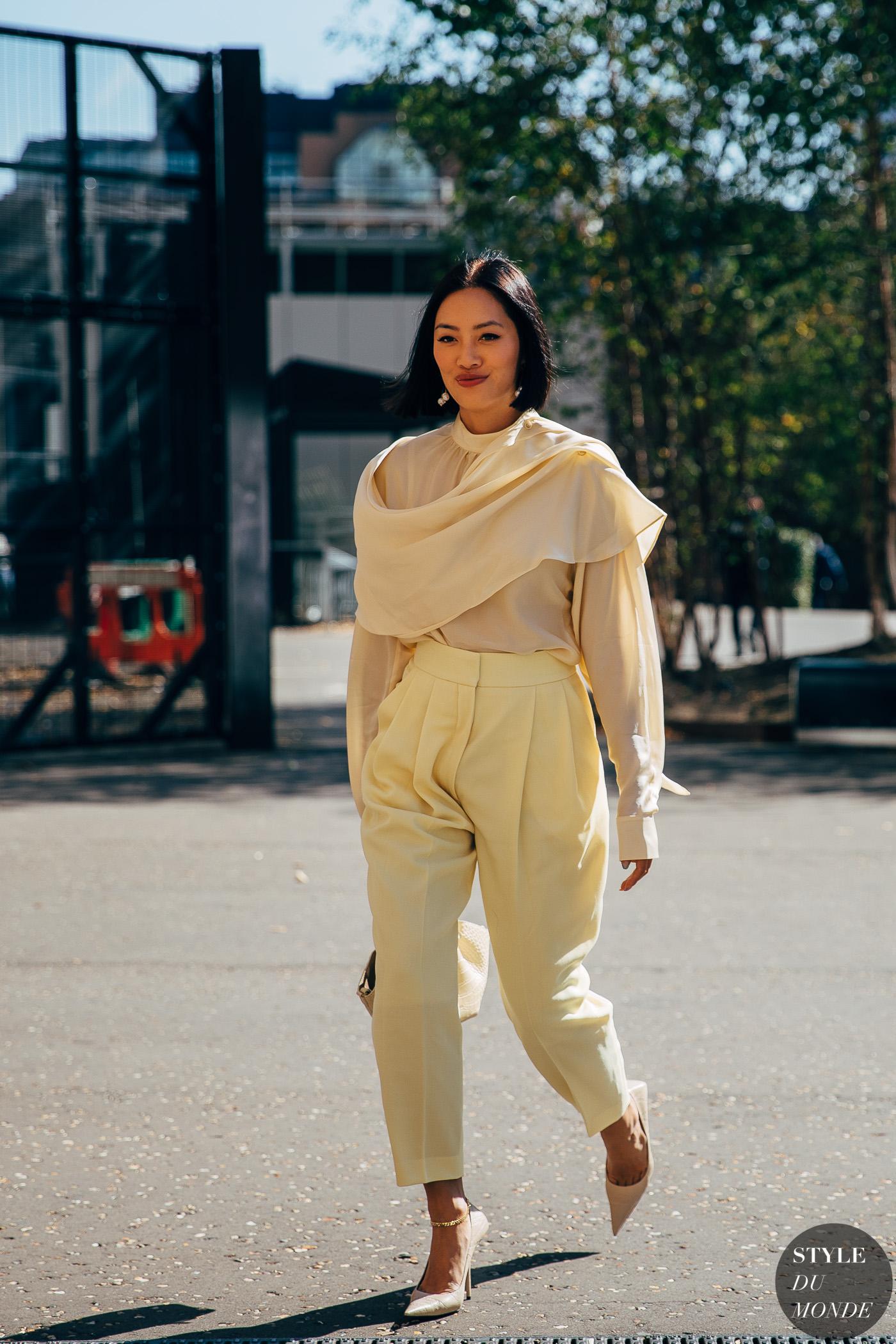 Mặc đẹp với áo mỏng màu pastel cho mùa Hè