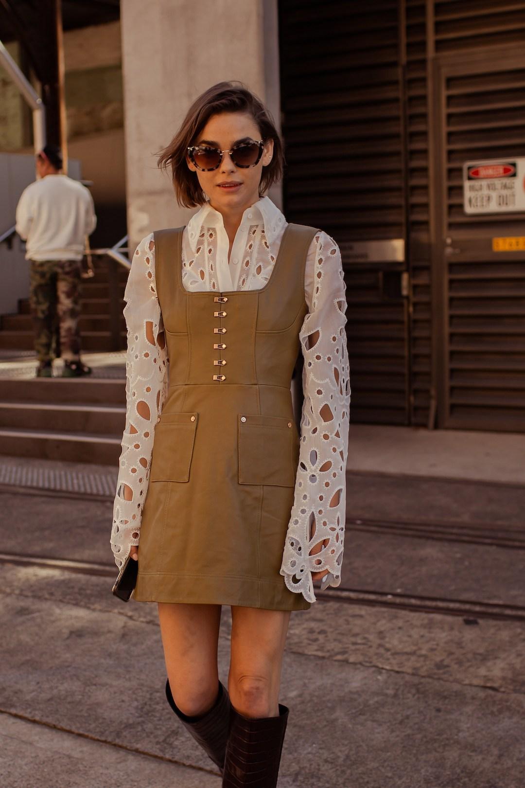 Mặc đẹp mùa Hè với áo mỏng và đầm ngắn