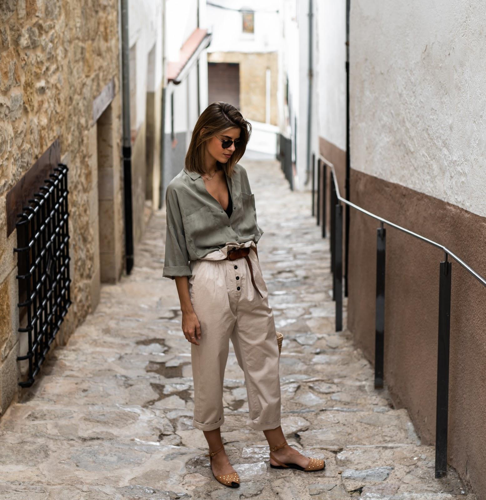 Thời trang mùa Hè với quần baggy đũi và áo sơ mi phom rộng