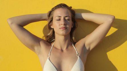 Những cách đơn giản giúp trị thâm da trắng dưới cánh tay