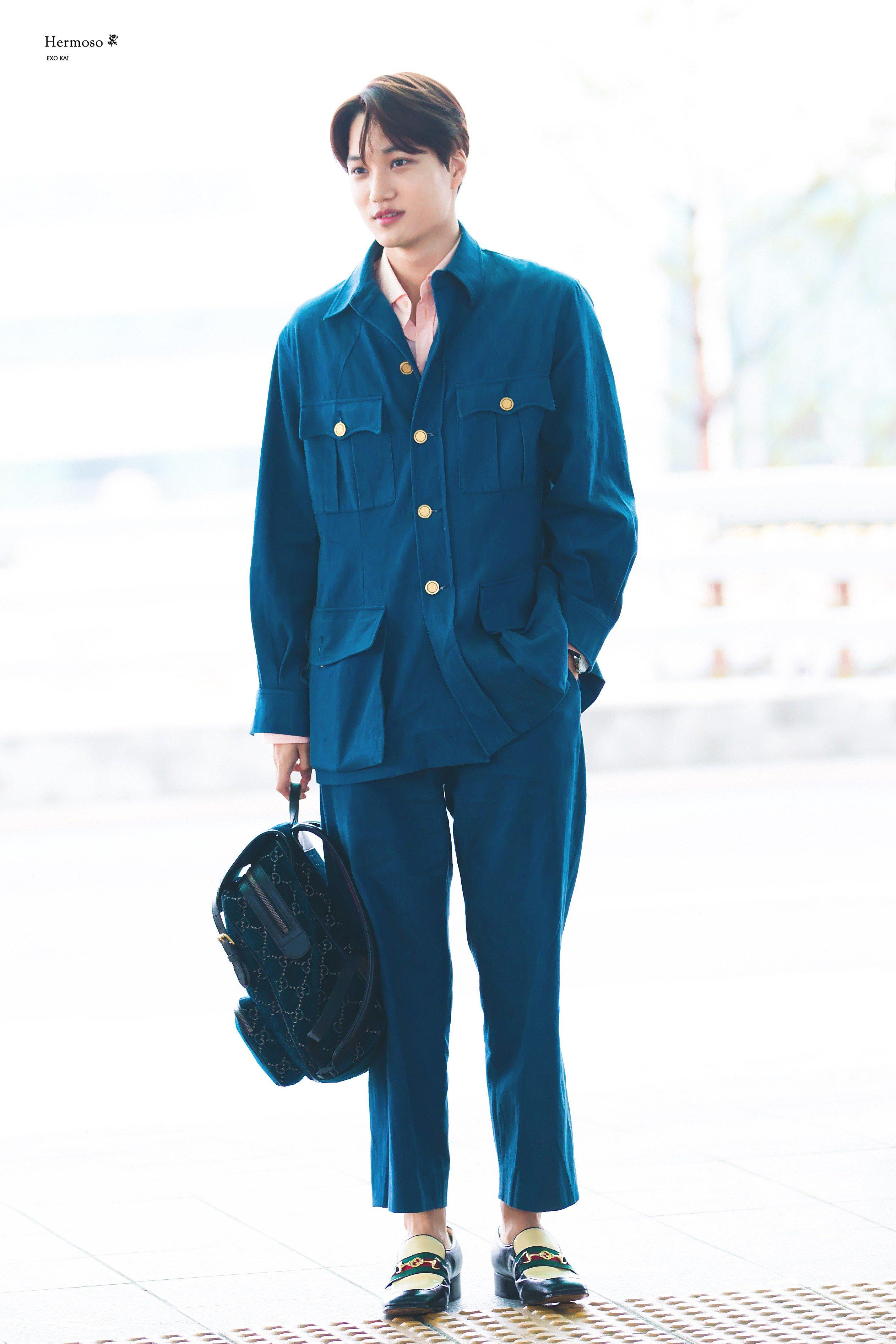 thời trang sao Hàn kai diện pyjama va giày loafer