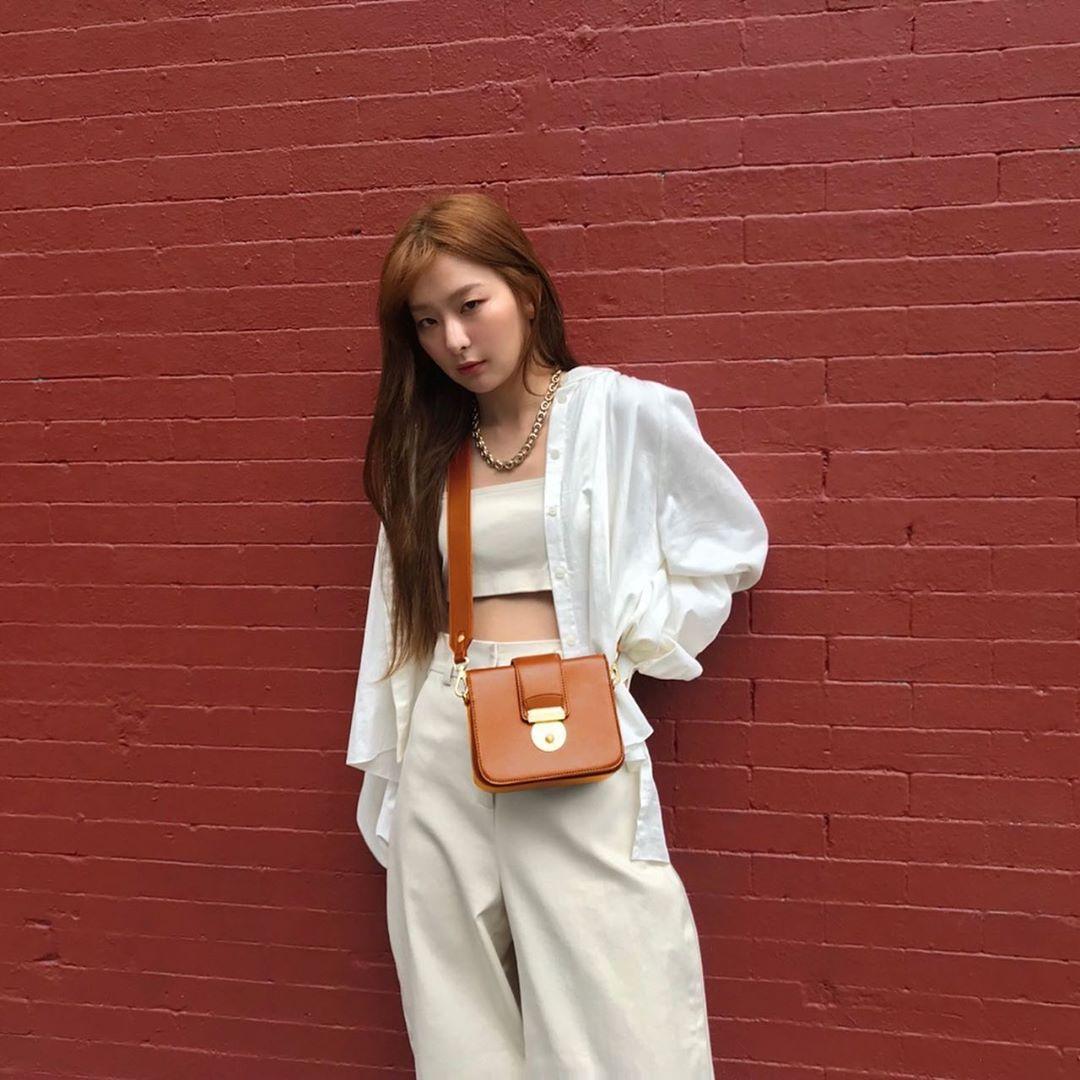 áo chống nắng áo sơmi trắng seulgi
