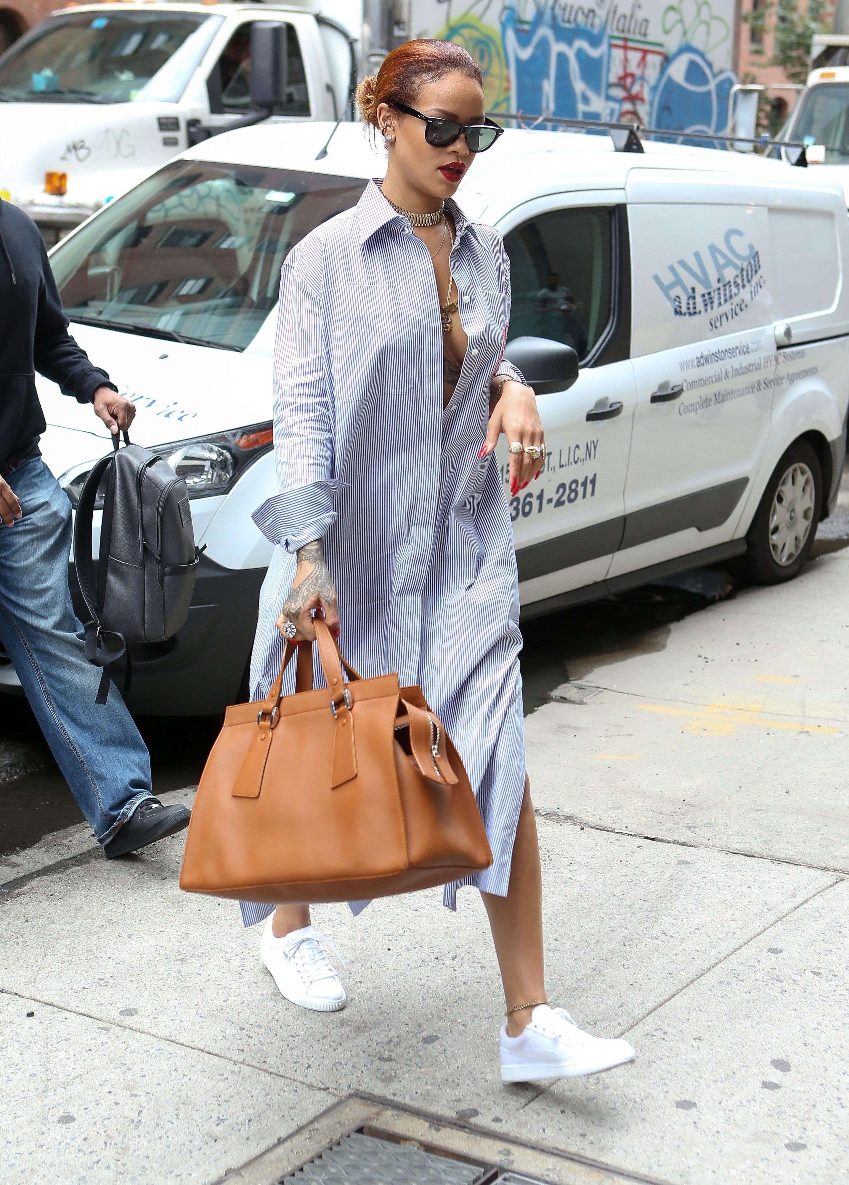 Mặc đẹp cho dáng người quả lê như Rihanna với đầm sơ mi kẻ sọc