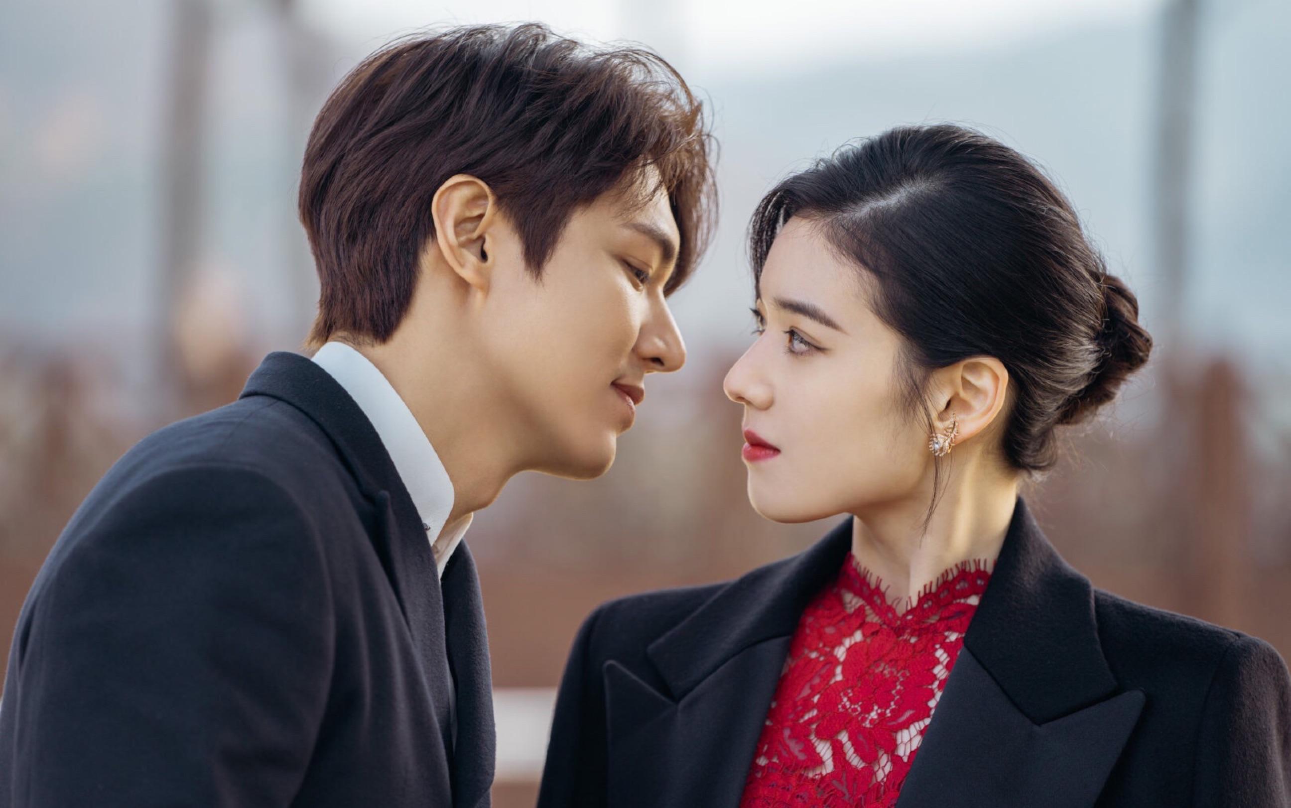 Mặc đẹp như Jung Eun Chae trong Quân Vương Bất Diệt - hoa tai tinh xảo