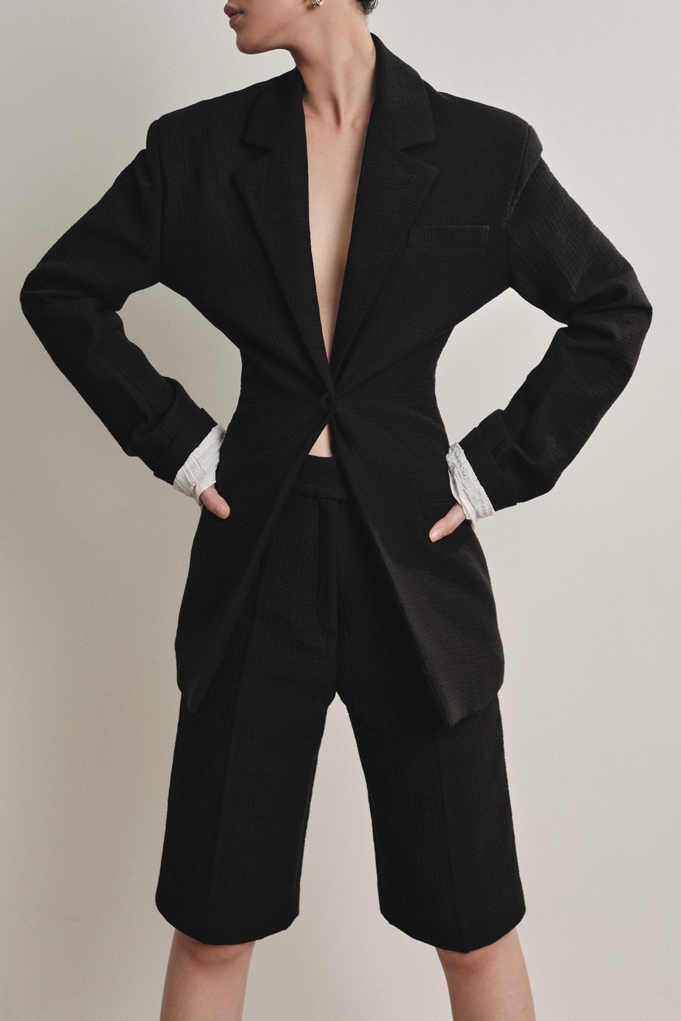local brand việt nam short suit trong bst xuân hè 2020 của ntk lâm gia khang