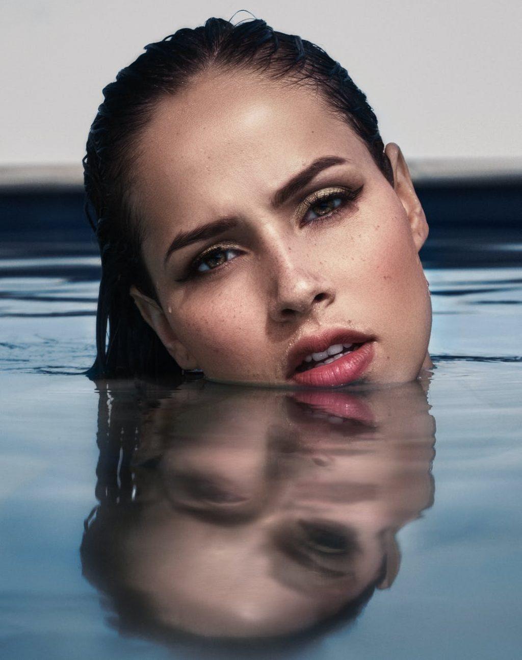 Peel da-Cô gái dưới nước.