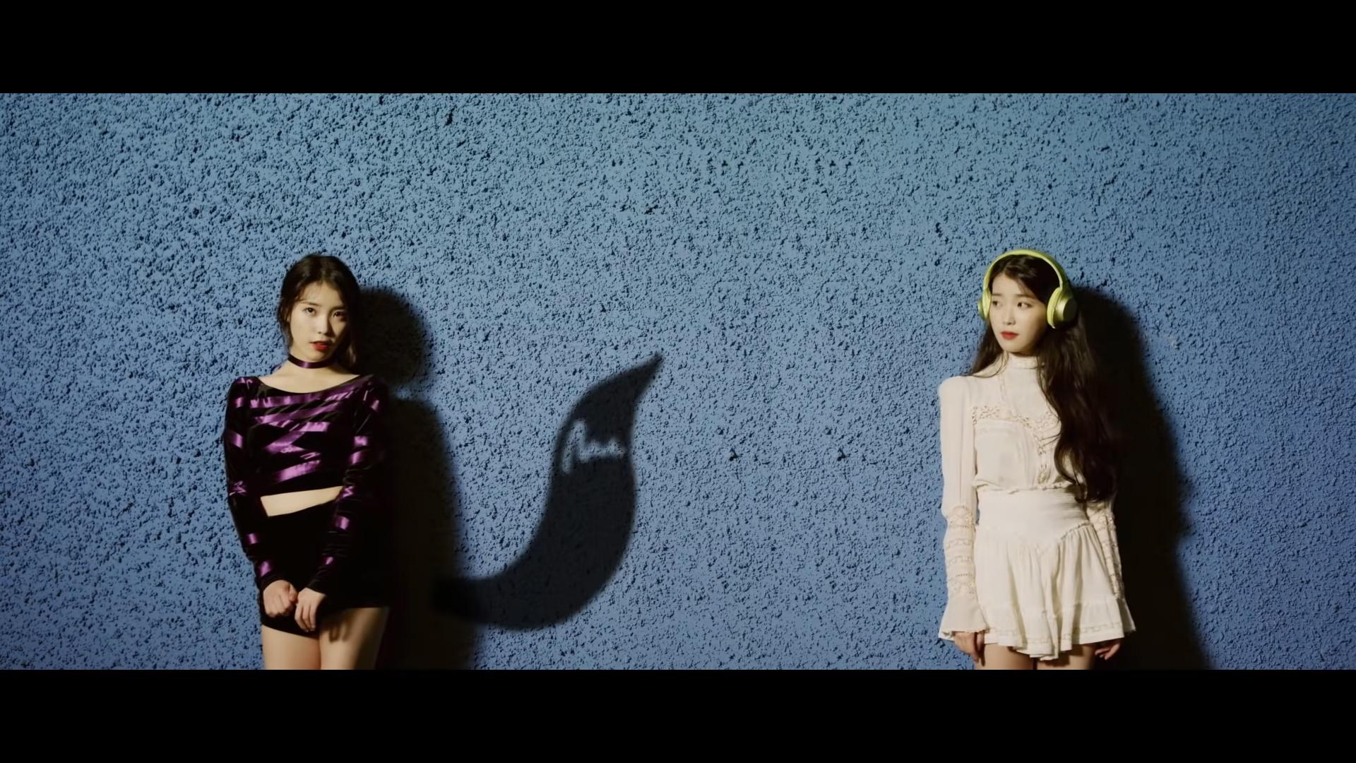 Thời trang của ca sĩ IU trong MV 23