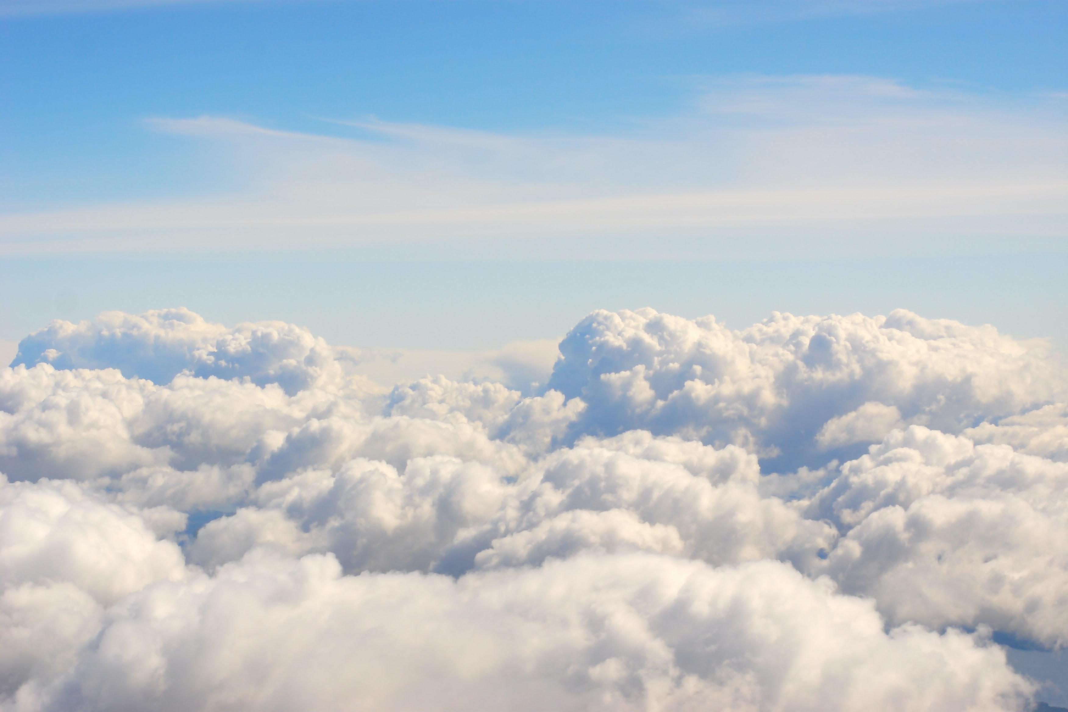đám mây trắng